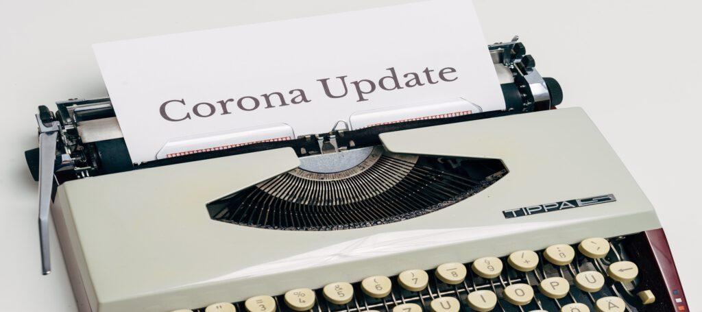 """Schreibmaschine mit Blatt """"Corona Update"""""""